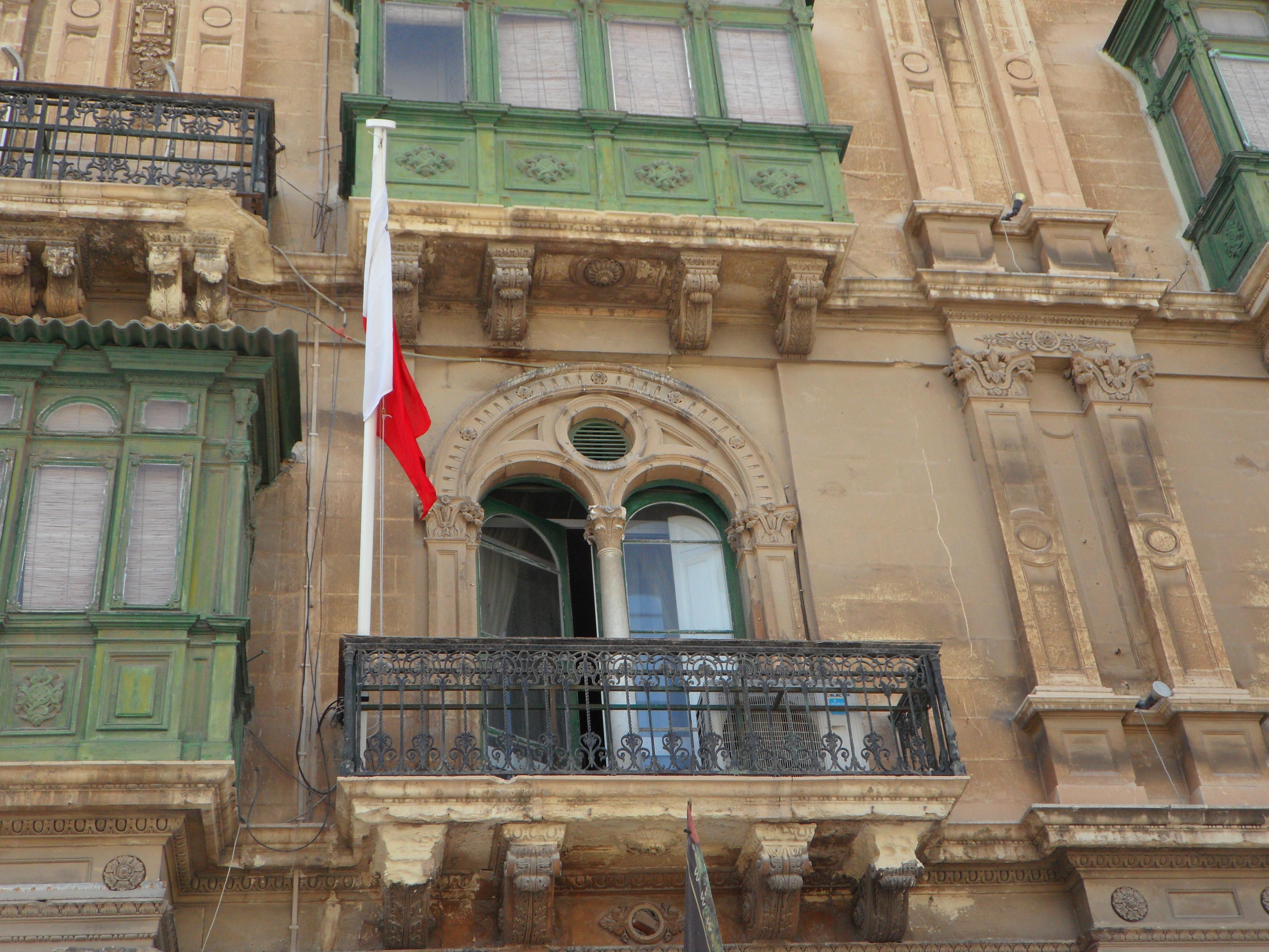 flagi reklamowe na elewacje